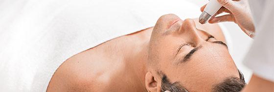 Kosmetische Gesichtsbehandlungen für den Mann