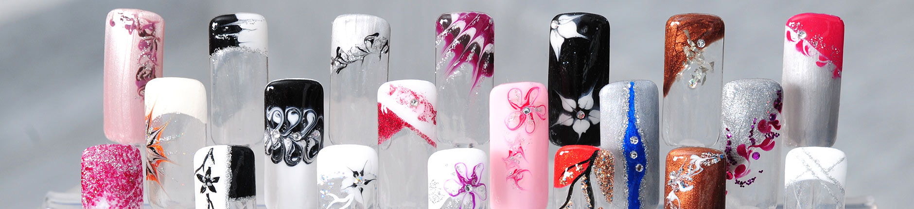 Nagelmodellage / Nageldesign