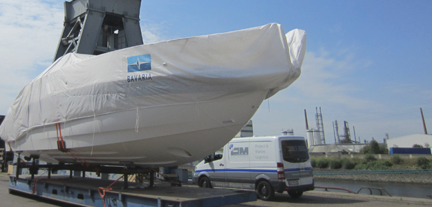 Boat and yacht transportation